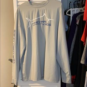 Men's Vineyard Vine shirt